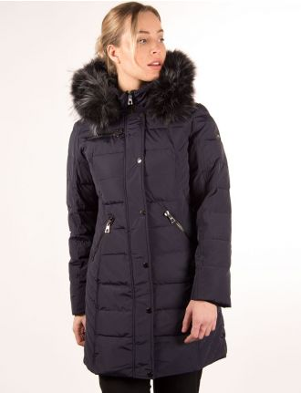 Quilted coat with faux fur trim by Saki