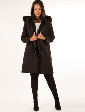 Wool coat with scarf by Portrait