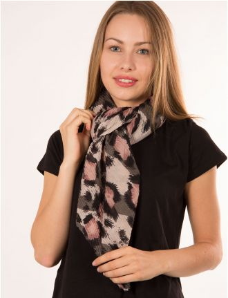 Pleated animal scarf by Di Firenze