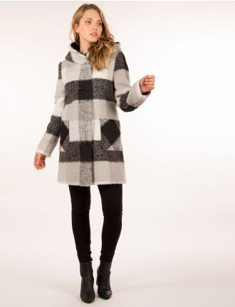 Plaid coat by Saki