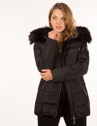 Puffer jacket by Hollies